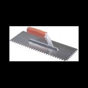 Dantyta glaistyklė, kvadratiniais dantimis su gumine rankena, 10 mm, 36x13cm